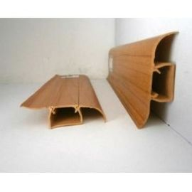 Chiny Waterproof Plastic Skirting Board Wooden Color Crack - Resistant 18mm Thickness dystrybutor